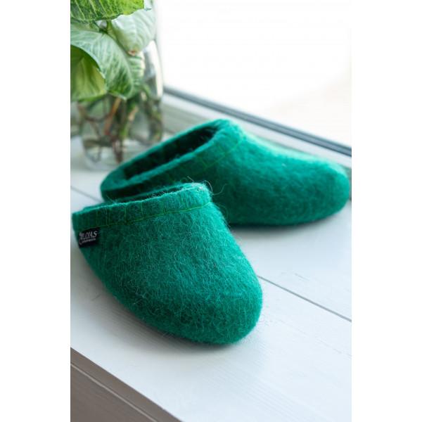 Зеленые  шлепки домашние