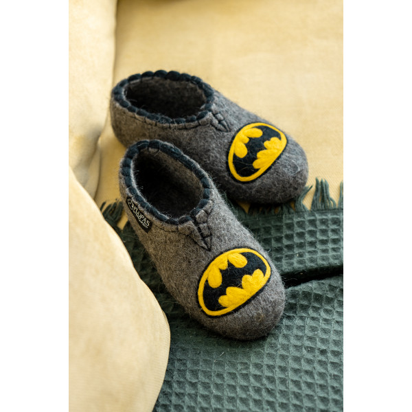 Бетмен - валяные тапочки